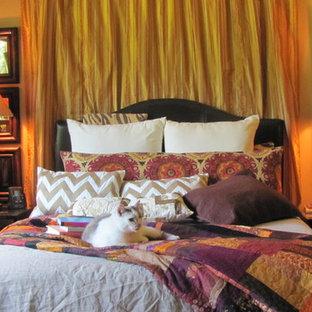 Bedroom - traditional bedroom idea in Seattle