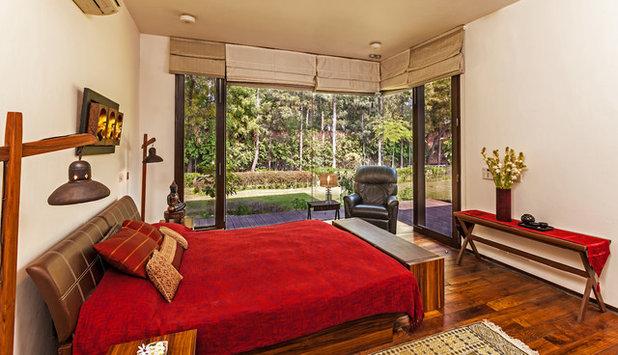 Contemporary Bedroom by Kumar Moorthy & Associates