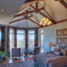 Traditional Bedroom by Gabriel Builders Inc.