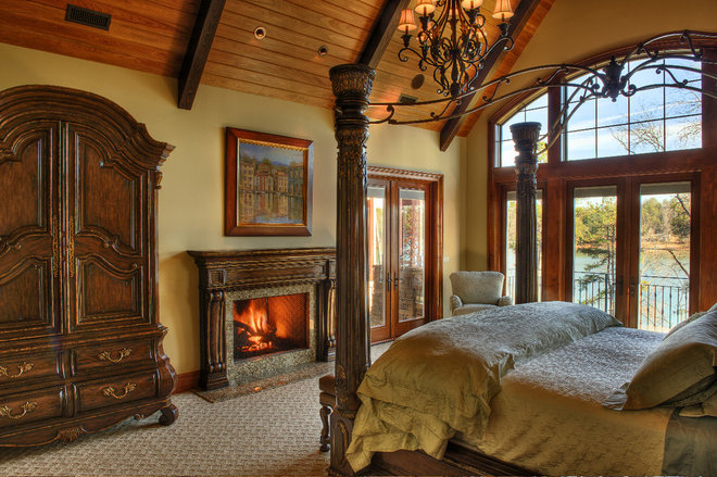 Rustic Bedroom by Gabriel Builders Inc.