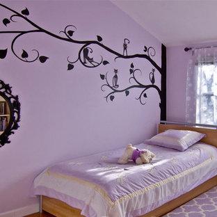 Ispirazione per una piccola camera da letto design