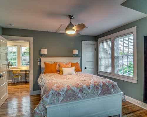 Small arts and crafts bedroom design ideas renovations for Arts and crafts bedroom