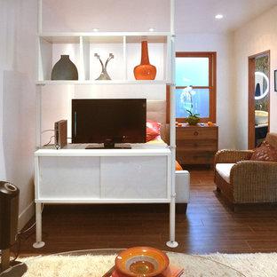 Bedroom - contemporary bedroom idea in Los Angeles