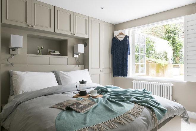 Contemporary Bedroom by Veronica Rodriguez Interior Photography