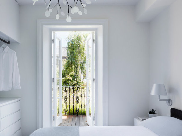 Contemporary Bedroom by Brosh Architects