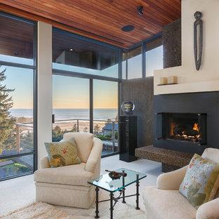 他の地域の広いアジアンスタイルのおしゃれな主寝室 (白い壁、カーペット敷き、標準型暖炉、コンクリートの暖炉まわり、白い床) のインテリア
