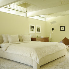 Midcentury Bedroom by Gary Hutton Design