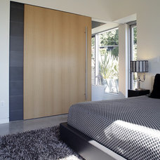 Modern Bedroom by splyce design