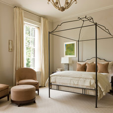 Traditional Bedroom by Rill Architects