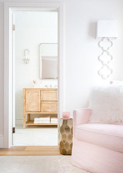 Transitional Bedroom by Narratif