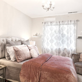 Small cottage chic guest carpeted bedroom photo in San Francisco with beige walls