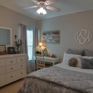 Idées déco pour une chambre romantique de taille moyenne.