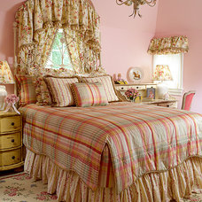 Traditional Bedroom by FAVA DESIGN GROUP