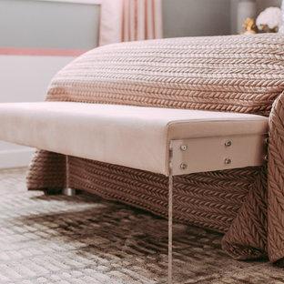 Imagen de habitación de invitados tradicional renovada, pequeña, con paredes grises y suelo laminado