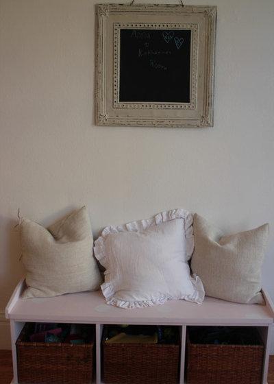 Shabby-chic Style Bedroom girls' room