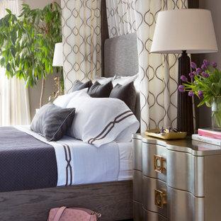 Идея дизайна: хозяйская спальня среднего размера в стиле современная классика с серыми стенами, ковровым покрытием, стандартным камином, фасадом камина из каменной кладки и серым полом