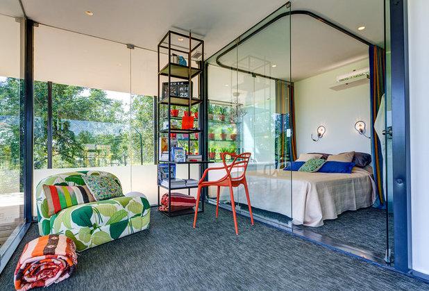 Современный Спальня by Stylish Modern Vacation Rentals