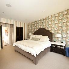 Eclectic Bedroom by Globus Builder