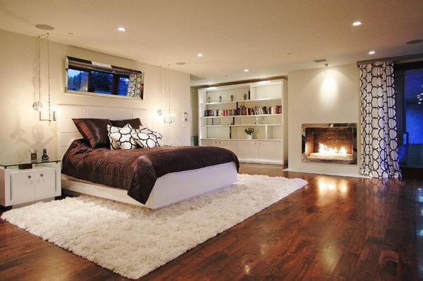 Contemporary Bedroom by Globus Builder