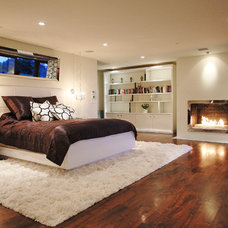 Contemporary Bedroom by Globus Builder