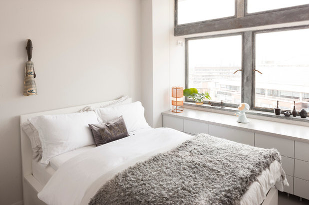 Contemporary Bedroom by Thomas Stewart