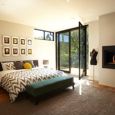 Modern Bedroom by En2 Development Corp