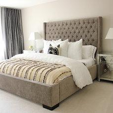 Bedroom by Diggs & Dwellings LLC