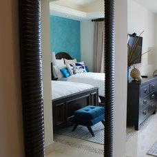 Contemporary Bedroom by DIAZ DE LUNA SIGNATURE