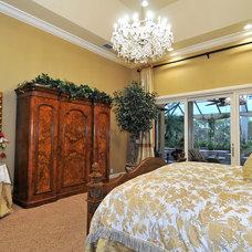 Traditional Bedroom by Bella Luna Services, Inc.