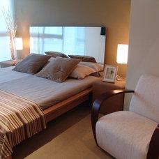 Modern Bedroom by Elias Kababie