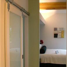 Modern Bedroom by Lee Edwards - residential design