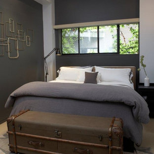 Diseño de dormitorio bohemio con paredes grises