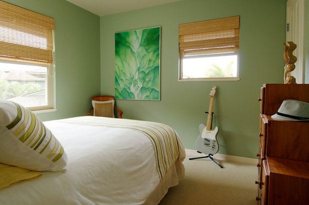 Houzz tour colorful casual hawaiian vacation home for Tropical interior paint colors