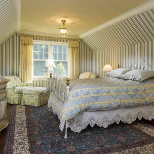 Inspiration for a farmhouse guest bedroom remodel in Bridgeport with multicolored walls