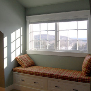 Small elegant master carpeted bedroom photo in Bridgeport with green walls and no fireplace