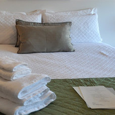 Contemporary Bedroom by Angoby's of Kyneton Boutique Accommodation