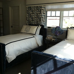 eclectic bedroom by Andrea May Hunter/Gatherer