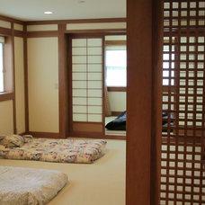 Asian Bedroom by Guinn Construction LLC