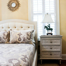 Traditional Bedroom by Mina Brinkey