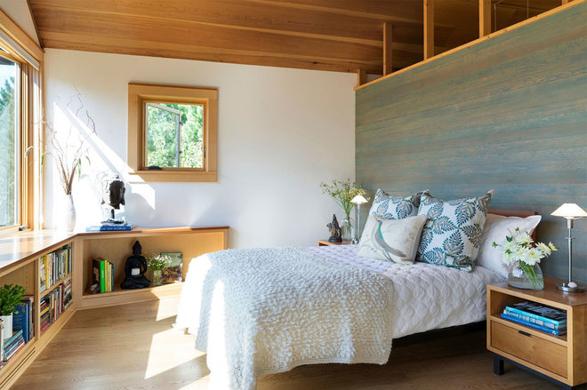 Midcentury Bedroom by Lucy Interior Design