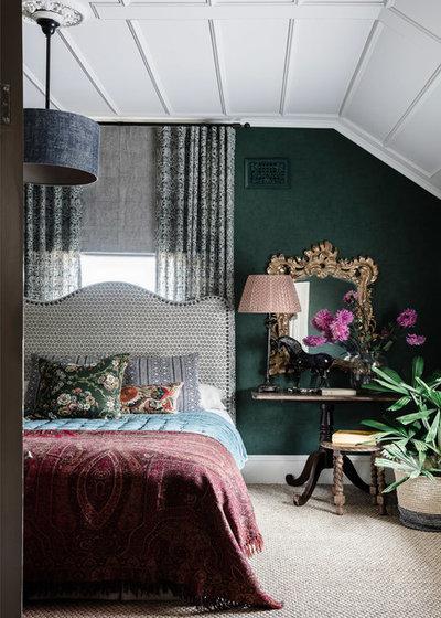 Классический Спальня by Lisa Burdus Interior Design