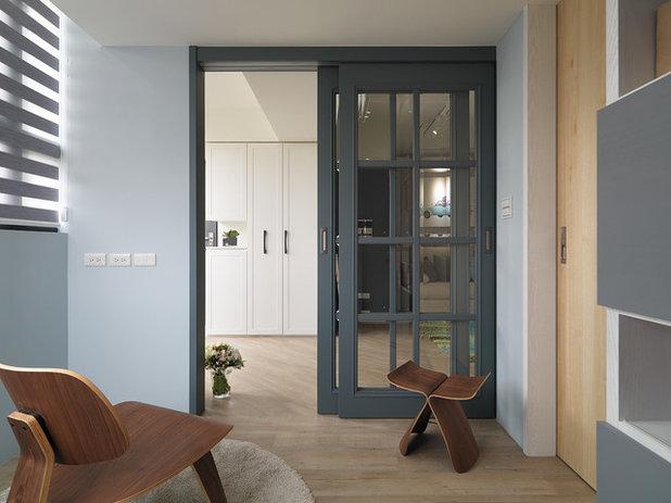 Transitional Bedroom by SpaceArt Interior Designers & Decorators