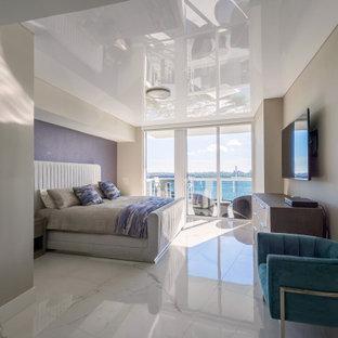 Diseño de dormitorio principal, papel pintado y papel pintado, moderno, papel pintado, con paredes beige, papel pintado y papel pintado