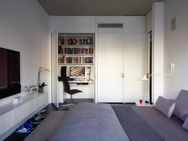 Moderne Chambre by West Chin Architects & Interior Designers