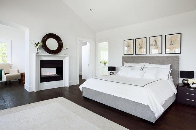 Contemporary Bedroom by Moeski Design Agency