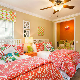 Bedroom - traditional guest carpeted bedroom idea in Orlando with beige walls and no fireplace
