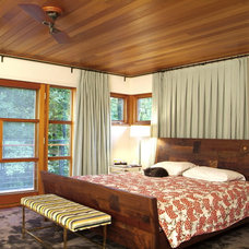 Rustic Bedroom by Birdseye Design