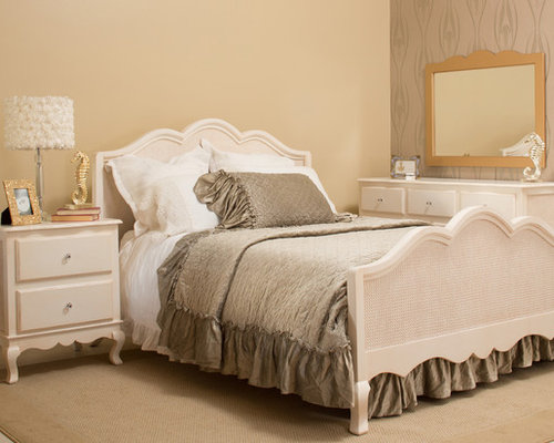 chambre romantique avec un sol en vinyl photos et id es d co de chambres. Black Bedroom Furniture Sets. Home Design Ideas