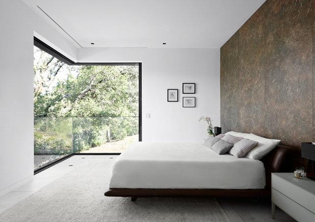 Contemporary Bedroom by Konstrukt Photo