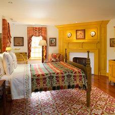 Farmhouse Bedroom by John Milner Architects, Inc.